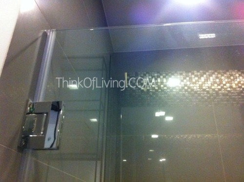 บานกระจกกั้นห้องอาบน้ำ