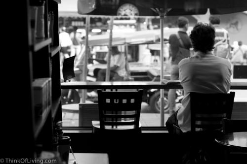 กาแฟ สุรวงศ์ Starbucks Coffee กรุงเทพ คน