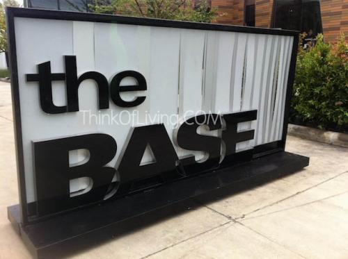 the BASE แจ้งวัฒนะ สำนักงานขาย เดอะเบส แจ้งวัฒนะ คอนโด