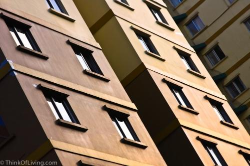 Fortune ตึก หน้าต่าง สีเหลือง กรุงเทพ กระจก