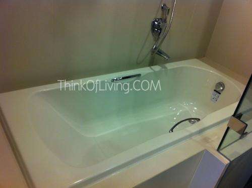 คอนโด The Crest สุขุมวิท 24 Bath Tub